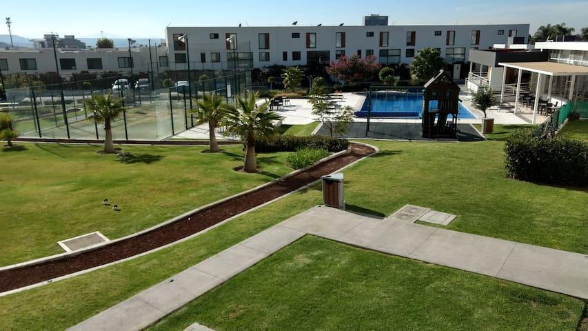Depa en Juriquilla Santa Fe - Juriquilla - Apartment