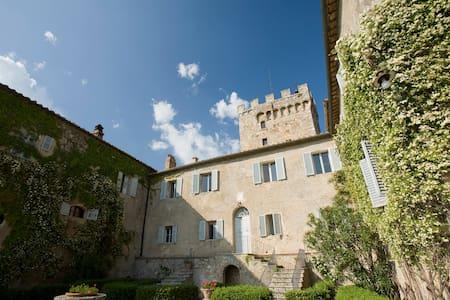 Room in the villa at Spannocchia -2 - Chiusdino