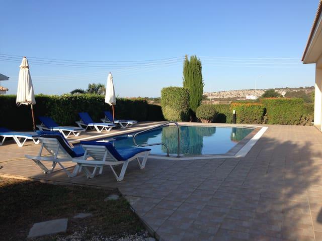 Konnos Bay luxury villa sleeps 6-8