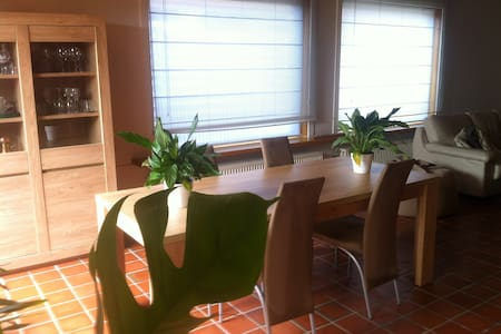 for 2 people, excellent breakfast - Sint-Gillis-Waas - Bed & Breakfast