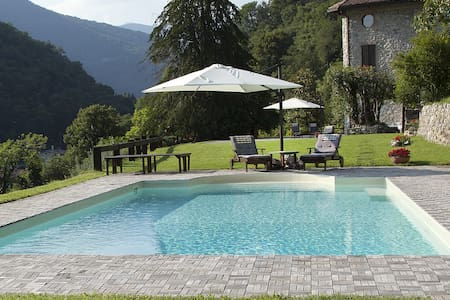 COMO AGRITURISMO PISCINA * - canzo - Bed & Breakfast