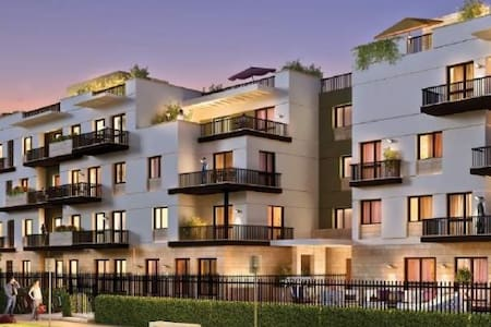 Jaw dropping luxury construction across the street from the W Hotel next door to the Pantages Theater on the infamous walk of Fame Hollywood blvd. State of the art appliances, courtyard and city views, and Incredible amenities.