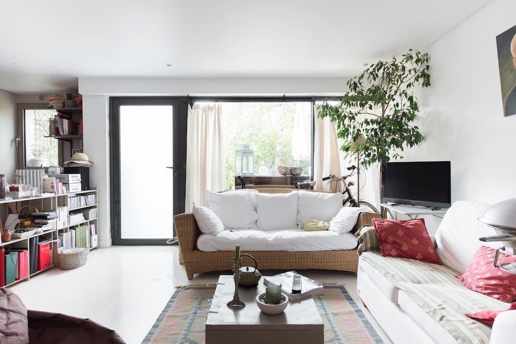 Loft sur 3 niveaux jardin parking lofts zur miete in for Salon de jardin ile de france