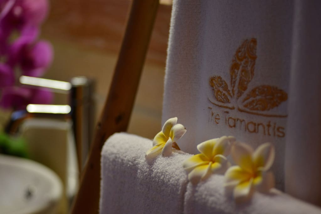 The Tamantis Bath Towel