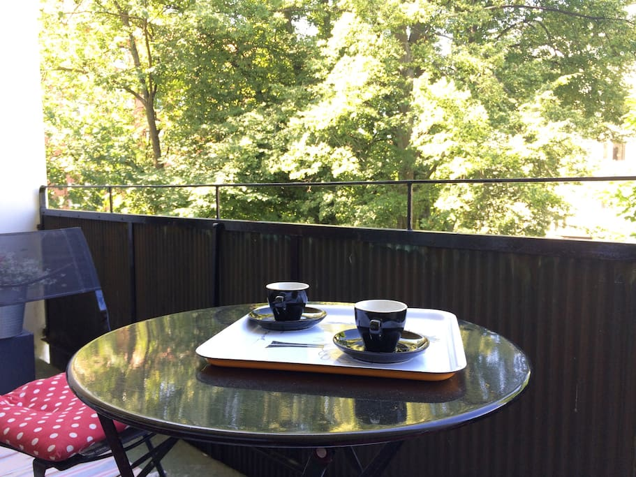 Enjoy a coffee or a cold drink at the cosy balcony.