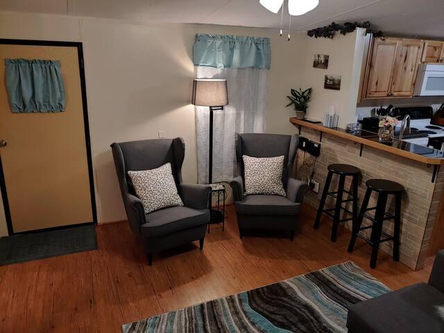 Cozy Hideaway, Country Living Rentals Tanyard, LLC