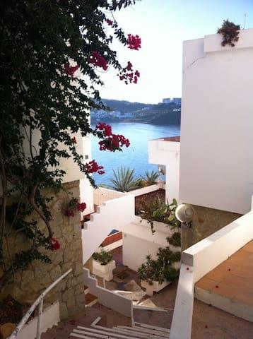 Apartamento con acceso directo a la playa - Es Mercadal - Apartamento