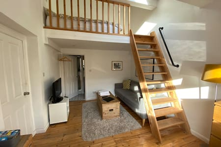 Gosforth En suite Room with Lounge & Mezzanine Bed
