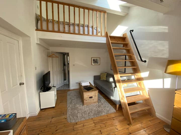 Gosforth En suite Room with Lounge & Mezzanine Bed