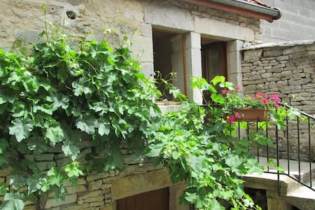 Maison en pierre bourguignonne - Auxey-Duresses - Talo