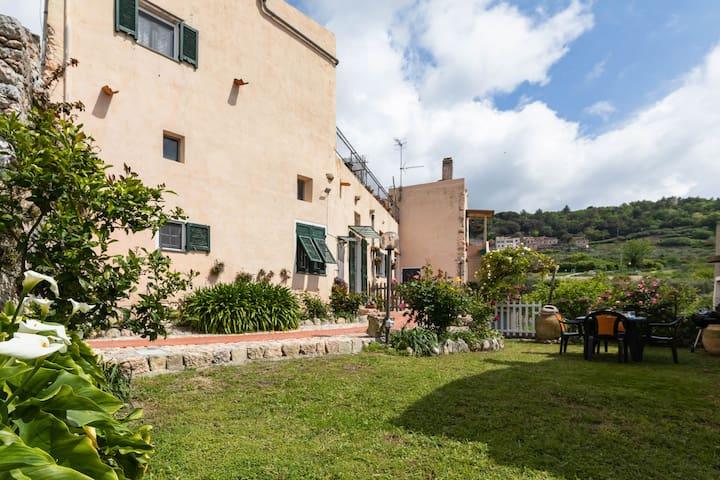 Casa Teresa - Wide House in the hamlet of Verezzi