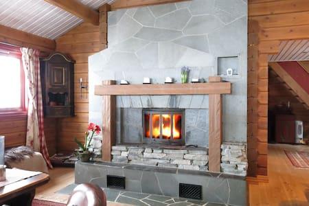 Bonderomantisk hytte Hallingskarvet - Hol - Blockhütte