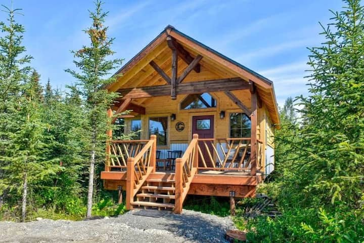 Fireweed Meadow Vacation Rental- Woodland Cottage
