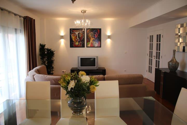 Charming Pdl Apartment - Ponta Delgada - Pis