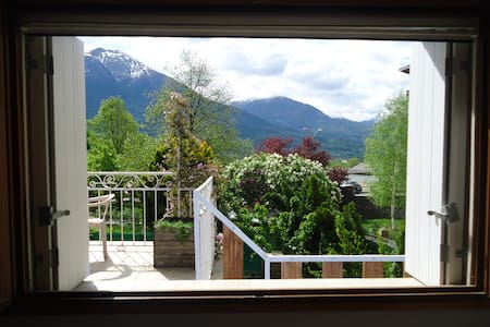 La maison bleue - Châteauroux-les-Alpes - Casa