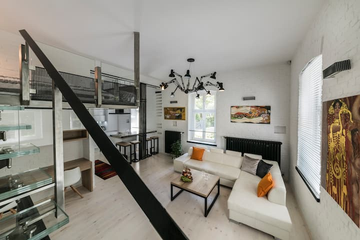 Loft apartament 3min Monte Cassino, 5min do morza