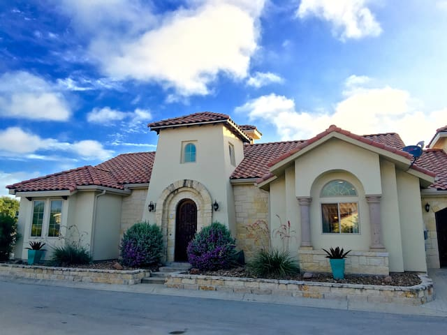 Luxury Family Hill Country Villa - Kerrville - Casa de campo