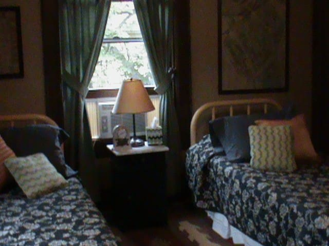 Peaceable Kingdom with two twin beds