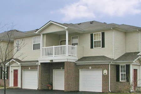 Fully furnished 1-bedroom apartment in Zionsville - Zionsville