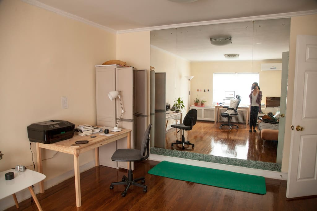 Study: printer, very big mirror to do yoga