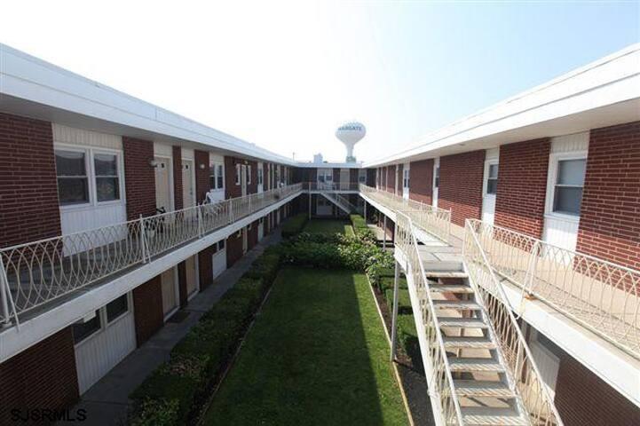 9100 Amherst Avenue, B2 - Margate City - Apartamento