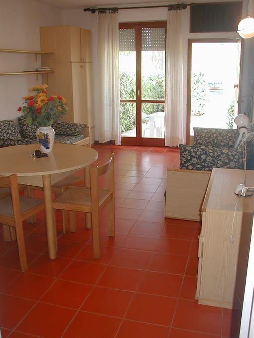 Monolocale in residence appartamenti serviti in affitto for Appartamenti a pila