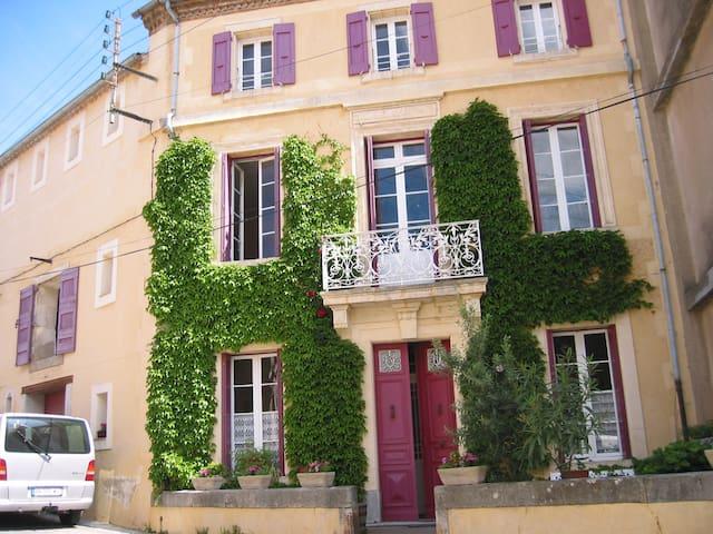 Helle geräumige Wohnung + Terrasse - Saint-André-de-Roquelongue - Appartement