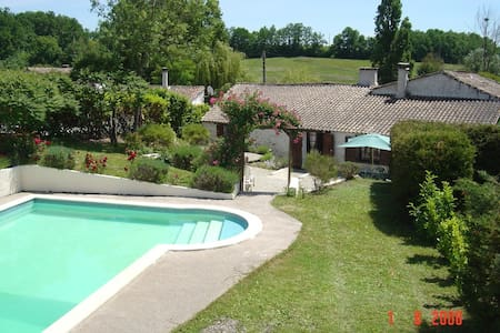 Period cottage with private pool