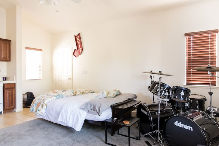 Comfy Private Studio - Brentwood - Appartement