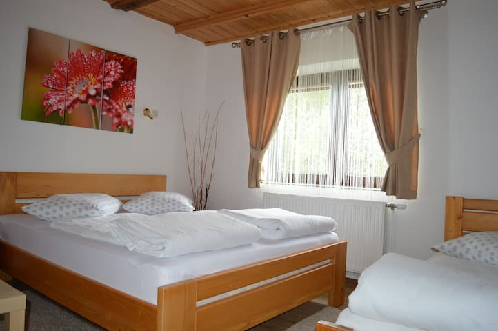 Triple room near Plitvice Lakes - Jezerce - Bed & Breakfast