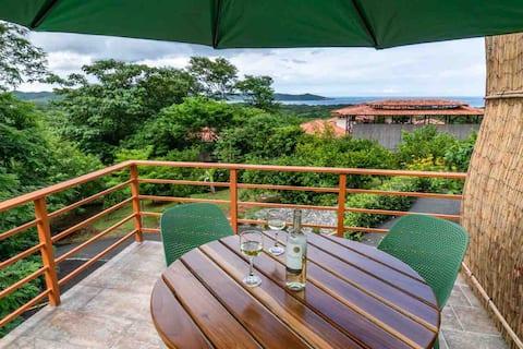 New! Ocean view villa, hot tub, Garden Floor