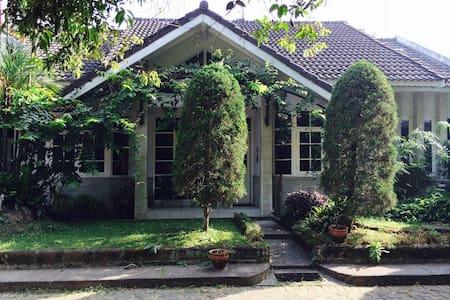 TP46#2 - Kotamadya Bandung