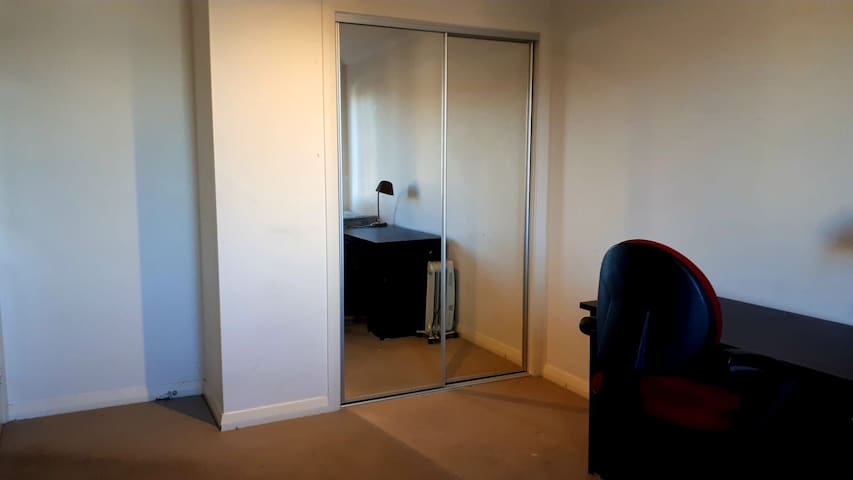 Furnished double room 1 bed & 2 extra matress NBN