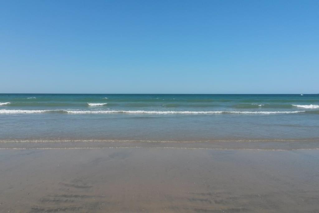 A 10 min max, de la plage de Gâvres. Sable fin à perte de vue, plénitude et tranquilité !!!