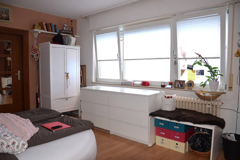 Helles Zimmer, aber dennoch kühl im Sommer, da keine direkte Sonneneinstrahlung.