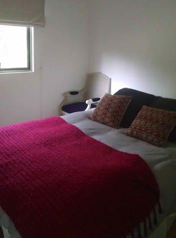 Dormitorio 3 cama queen en suite
