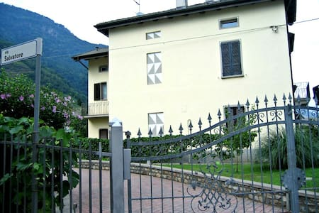 Villa Golden - Villa di Tirano - Bed & Breakfast