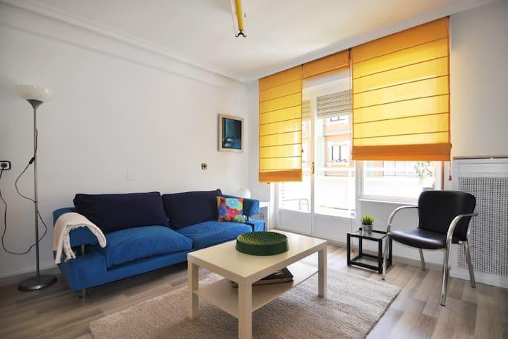 Precioso piso centrico y luminoso - Oviedo - House