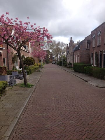 Cozy little house near Amsterdam for 4 persons