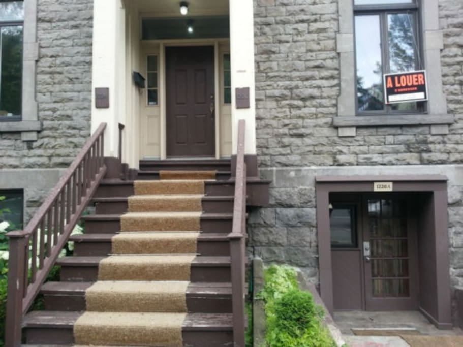 1 Bedroom Apartment In Heart Of Downtown Montreal Appartements Louer Montr Al Qu Bec Canada