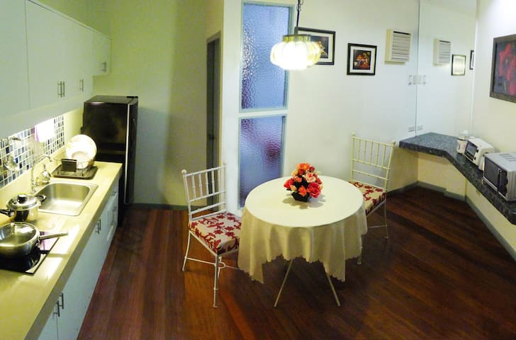 Classy Premiere Apartment with up to 300MBPS WIFI - Manila - Appartement