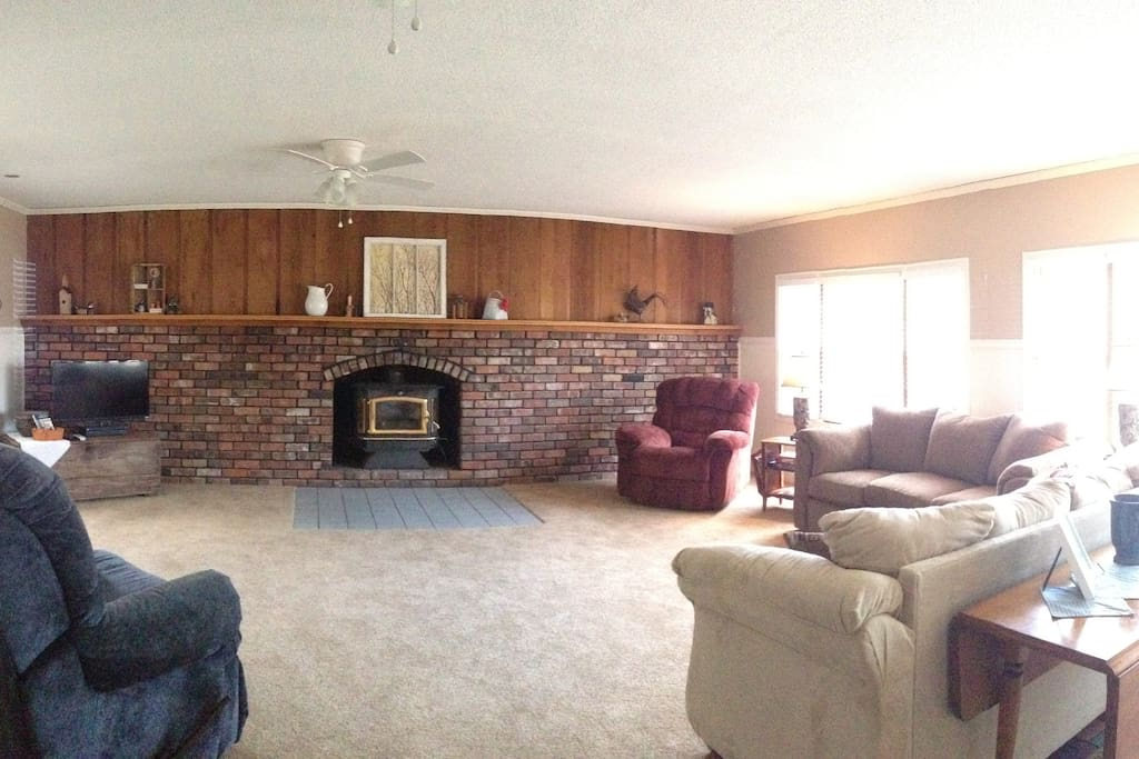 Large family room space to gather the whole gang.