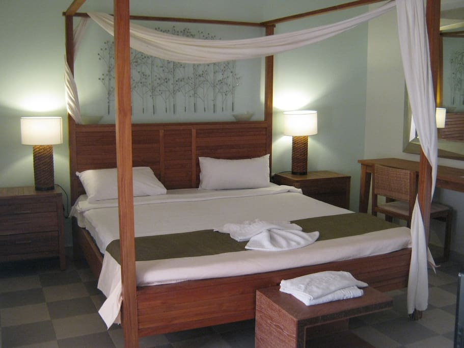 Double Studio with four poster bed