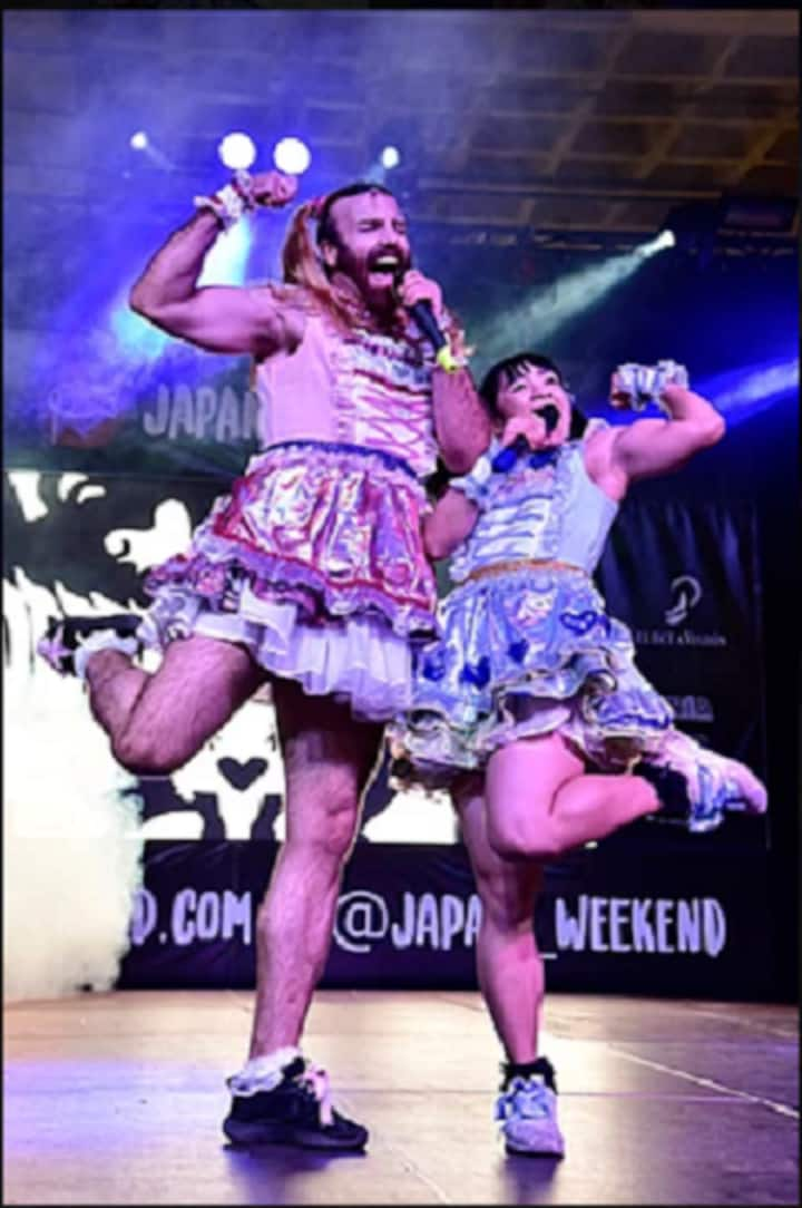 LadyBeard -insane,funny friendly artists
