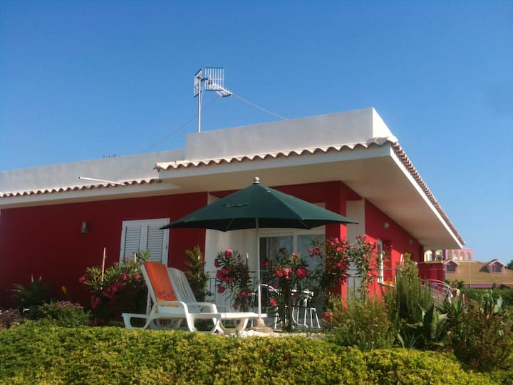 Villa with 2 bedrooms in Sciacca, with wonderful sea view, enclosed garden and WiFi - 5 km from the beach