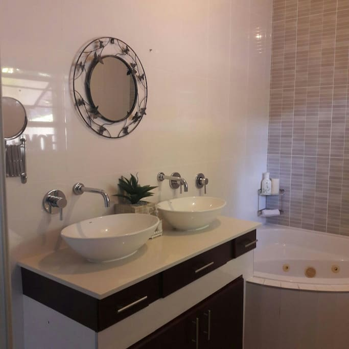 Double basin & extended mirror