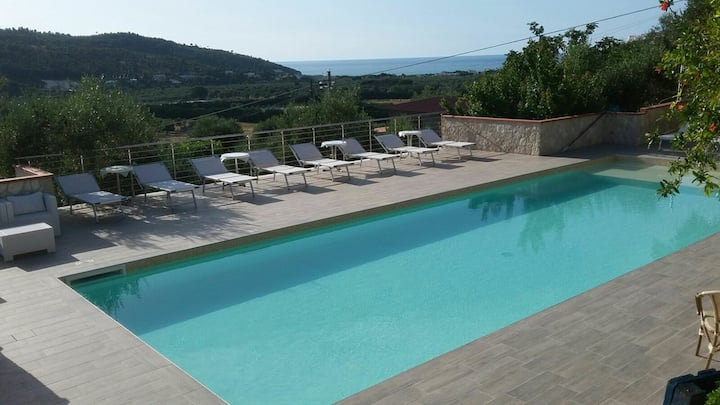 Villino trilocale con piscina - Liberato Peschici