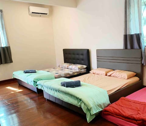 Large Private unit with 2 Queen sized bed(Unit 3A)