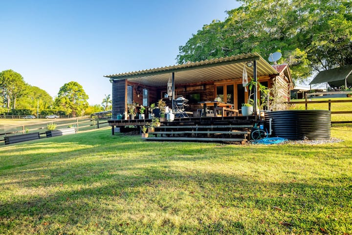 The Dairy Cottage - West Woombye