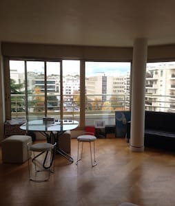 A beautiful apartment, floor to ceiling windows ! - Levallois-Perret - Appartement